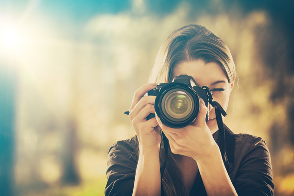 上手な写真の撮り方とは?誰でも実践できるテクニックとコツを紹介サムネイル